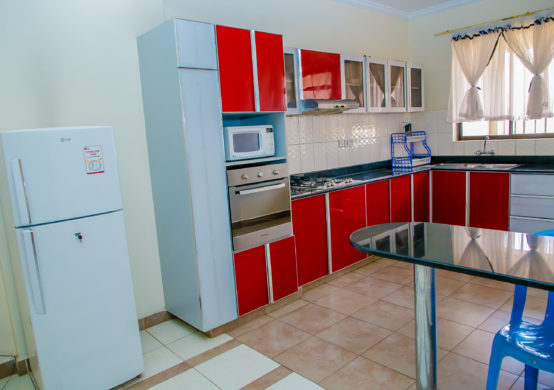 well equipped kitchen, great for family stays